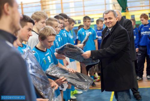 Dofinansowanie strojów zawodników drużyny Myśliwiec Tuchomie (listopad 2012)